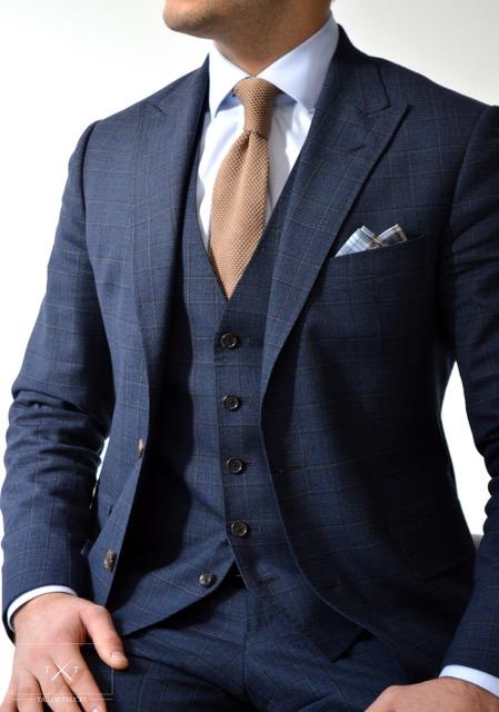 Les six erreurs que les hommes font avec un nouveau costume