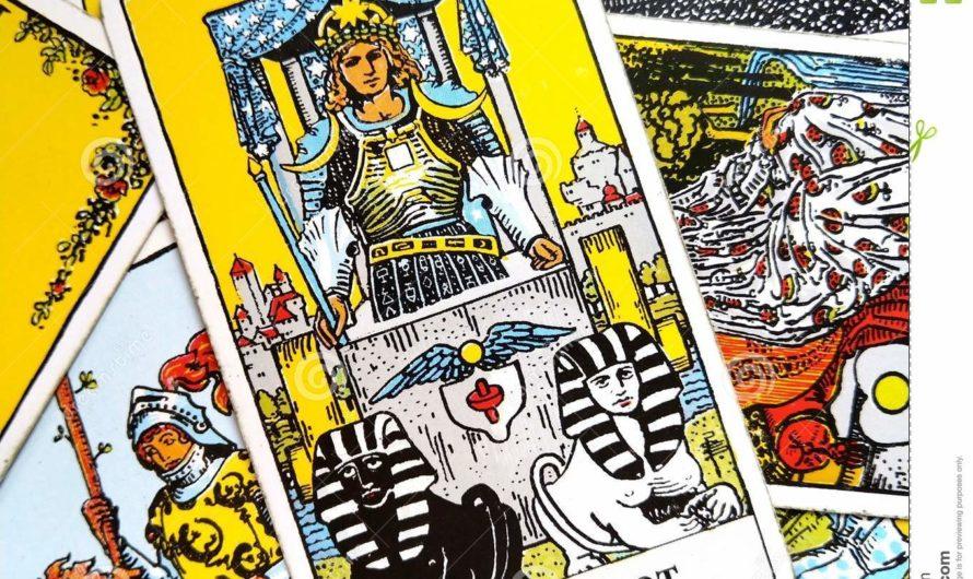 Lecture de tarot à trois cartes pour les débutants