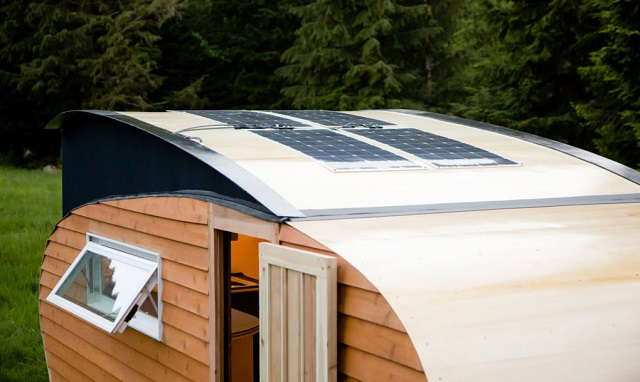 panneau solaire pour caravane et camping cars: conseil, types et kit de montage