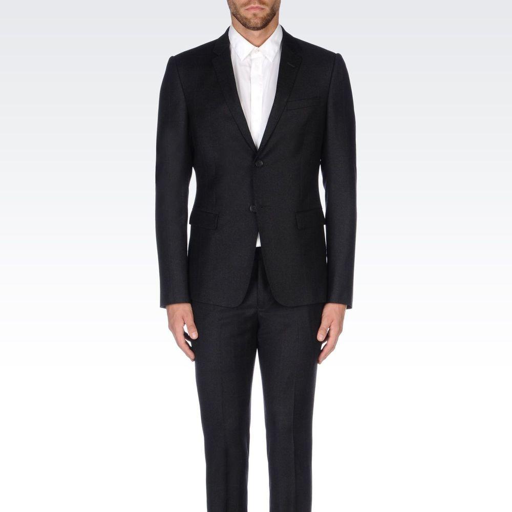 5 erreurs courantes que font les hommes en portant un costume
