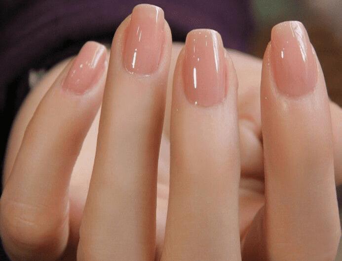 10 conseils pour faire pousser des ongles sains